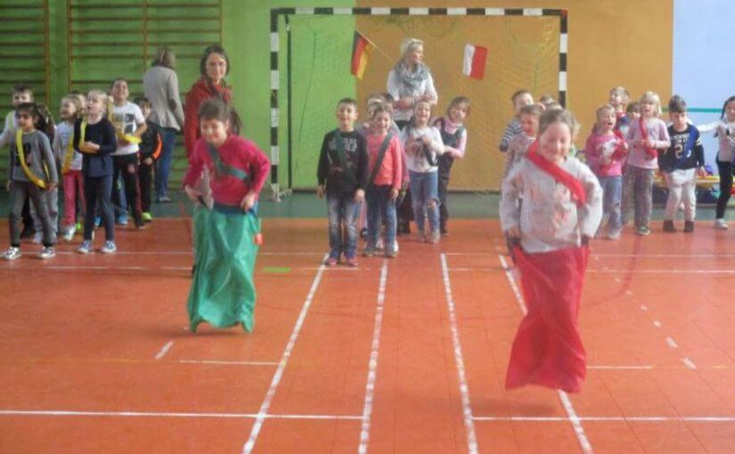 Kitas aufgepasst: Begegnungen mit Kindern aus dem polnischen Nachbarland werden auf unkomplizierte Weise gefördert!