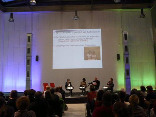 Blick aus dem Publikum auf Präsentation R. Tracy